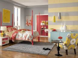 Two Tone Gray Walls by Bedroom Grey And Yellow Wall Horizontal Line Two Tone Wall Color