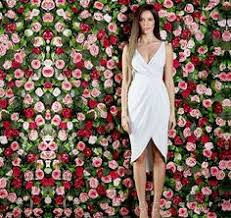 red carpet glamour flower walls aren u0027t just for weddings easy