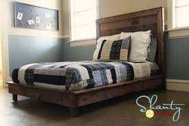 Platform Queen Or King Bed Woodworking Plans Patterns by Ana White Hailey Platform Bed Diy Projects