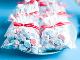 Salt Water Taffy Wedding Favor Red And Blue Delights One Stylish Bride U2013 Ultimate Wedding Ideas