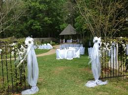 wedding venues in lafayette la a wedding setup in our gardens at magnolia court in lafayette