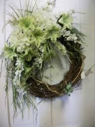 silk 18 inch grapevine wreath with your choice of silk