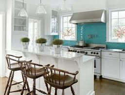 cuisine rectangulaire design interieur cuisine turquoise dosseret céramique rectangulaire