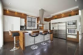 cuisine comtemporaine 5 caractéristiques d une cuisine contemporaine macucina armoires