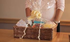 How To Make A Gift Basket How To Make A Gift Hamper At Home Kraftly Blog