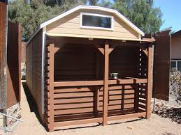 cool shed ve seen people turn pallets into cool things but this this is