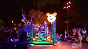 frightfully fun parade at mickey u0027s halloween party 2017