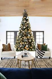 how to decorate a 12 ft tree with gold tones