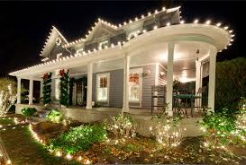 Homes Decorated For Christmas by Best Home Decorating Lights Pictures Home Design Ideas