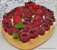 cuisine calisson saveurs et gourmandises tarte calisson aux framboises fourrées