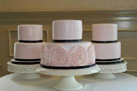 the best wedding cakes summer weddings determining the best wedding cake the pink