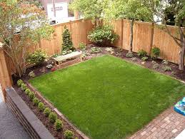 Modern Landscaping Ideas For Backyard by Adorable Fence Line Modern Landscaping Ideas Grass 11 Interesting
