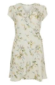 wedding guest dresses uk 23 gorgeous wedding guest dresses for summer 2016 fashion