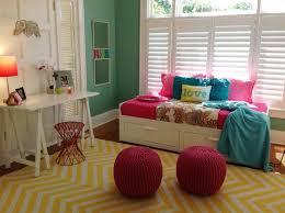 pouf chambre fille chambre ado fille en 65 idées de décoration en couleurs