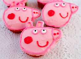 peppa pig cakes peppa pig cupcakes two crafting