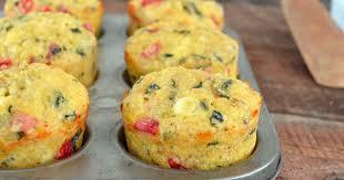 cuisiner du quinoa muffins déjeuner aux œufs quinoa jambon et légumes recette par