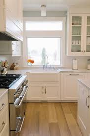 Kitchens With Off White Cabinets Kitchen Kitchen Ideas Kitchen With Light Stained Hardwood Floors