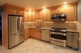 kitchen backsplash with oak cabinets kitchen backsplash pictures with oak cabinets kitchen backsplash