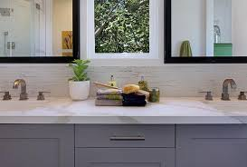 Bathroom Vanity Backsplash by White Lacquer Bathroom Vanity Design Ideas