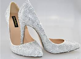 wedding shoes embellished welcome back carrie bradshaw and embellished shoes