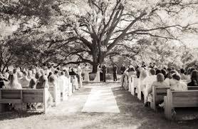Oaks Farm Barn Wedding Prices Outdoor Wedding Under Sprawling Historic Oaks I Do Y U0027all