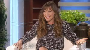 actress in capitol one commercial2015 jennifer garner laughs at expecting rumours and says she s not