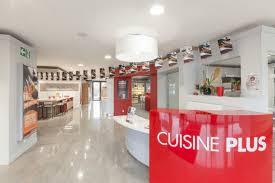 magasin de cuisine bordeaux le showroom du magasin cuisine plus bordeaux mérignac cuisine plus