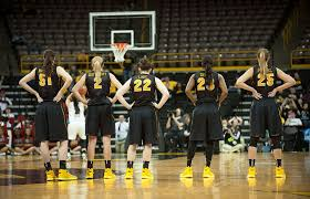 Iowa traveling teams images March madness action iowa now jpg