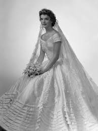 50 s wedding dresses iconic wedding dresses of the 50s the wedding secret magazine