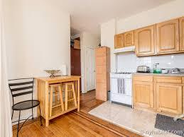 Kitchen Cabinets In Queens Ny New York Roommate Room For Rent In Astoria Queens 1 Bedroom