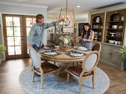 fixer upper dining table fixer upper season 4 foyer trgn 77a944bf2521