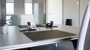 Location De Postes En Espaces Arrow Business Center Espaces Permanents Location De Bureaux