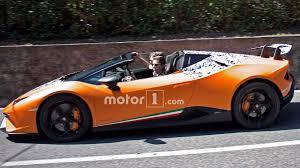 Lamborghini Huracan Colors - lamborghini huracan performante spyder spied stripping off camo
