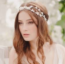floral hair accessories 5 floral hair accessories for a wedding