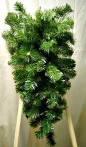 how to make your evergreen wreaths look like the