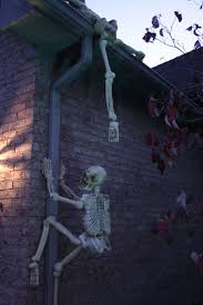 Dancing Halloween Skeleton by Best 25 Halloween Skeleton Decorations Ideas On Pinterest