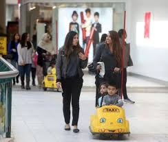 black friday retail sales expected to be strong even without early