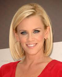 does jenny mccarthy have hair extensions jenny mccarthy long bunt bob with the hair chopped an inch past
