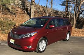 nissan sienna 2016 comparison 2017 toyota sienna does the family hauler stack up