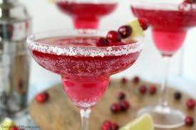 Party Cocktails Punch - 22 holiday drinks and cocktails to make for your christmas party