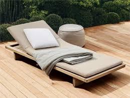chaises longues de jardin 22 idées chaise longue jardin en matériaux de haute qualité