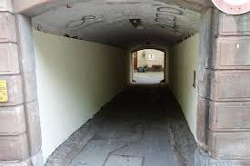 Pressebericht Polizei Rastatt Baden Baden Graffiti Sprayer Streicht In Baden Baden Aus Reue Unterführung