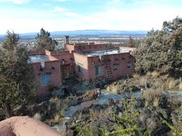 santa fe pueblo on a cliff houses for rent in bend oregon