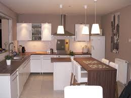 plan amenagement cuisine 10m2 idees amenagement cuisine ouverte x sur blanc décoration
