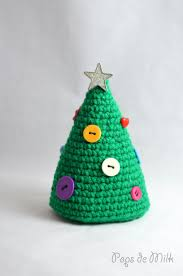 crochet christmas tree with buttons crochet christmas trees