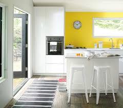 couleur tendance pour cuisine le blanc et le jaune 2 couleurs tendance pour la cuisine