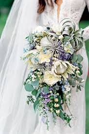 bridal bouquet alternative bridal bouquet trends to try this wedding season