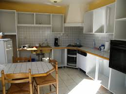 rénover une cuisine comment repeindre une cuisine en chêne mes