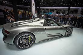 porsche 918 crash porsche 918 spyder gets hit and run treatment from van driver