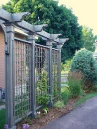 Trellis As Privacy Screen A Trellis Not Only Adds Beauty To Your Landscape But Function As